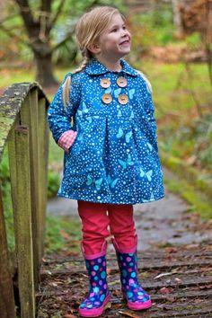 Naaipatroon van de Serendipity jas voor 6 tot 10 jaar Buiten spelen is alleen leuk als je het warm hebt en de Serendipity jas is ontworpen om je warm te houden - en ziet er goed uit!