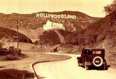 Los Angeles is the entertainment capital of the world and home to Hollywood, where glitz and glamour began. Take a stroll through history with these amazing and never before seen photos of Los Angeles when Hollywood was glamorous. Hollywood Sign, Hollywood Hills, Hollywood Glamour, Hollywood Cinema, West Hollywood, Old Pictures, Old Photos, Vintage Pictures, Rare Photos