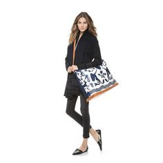 The 6 Types of Bags Every Woman Should Own Types Of Bag, Kate Spade Purse, Carry On Bag, Every Woman, Weekender, Fashion Outfits, Fashion Trends, Louis Vuitton Monogram, Diaper Bag