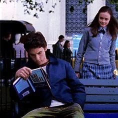theyarereading: Jess Mariano of The Gilmore Girls reading The Electric Kool Aid Acid Test by Tom Wolfe