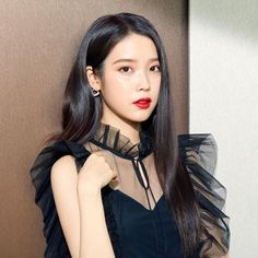 Photo album containing 4 pictures of IU Foto Snap, Korean Girl, Asian Girl, Iu Twitter, Iu Fashion, Camille, Korean Actresses, Grunge Hair, Ulzzang Girl