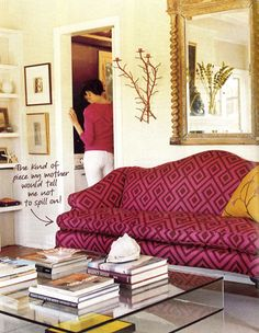 Patterned Sofa - Design photos, ideas and inspiration. Amazing gallery of interior design and decorating ideas of Patterned Sofa in bedrooms, living rooms, dens/libraries/offices, media rooms by elite interior designers. Design Blogs, Home Design, Interior Design, Apartment Sofa, Apartment Living, Apartment Therapy, My Living Room, Living Spaces, Rosa Sofa