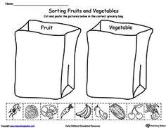 *** Sorting Fruits and Vegetables in Grocery Bags Worksheet. Help your child identify the difference between fruits and vegetables by sorting the pictures into the correct grocery bag in this science printable worksheet. Nutrition Activities, Science Activities, Activities For Kids, Nutrition Classes, Nutrition Store, Food Science, Kindergarten Science, Thinking Day, Group Meals