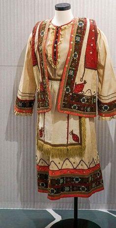 Παραδοσιακή Κορινθιακή φορεσιά,1910 περίπου(Hellenic Aesthetic NYC) Kimono Top, Sari, Tops, Women, Fashion, Saree, Moda, Fashion Styles, Fashion Illustrations