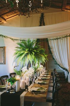 This Santa Barbara wedding features fun tropical décor, a gorgeous outdoor ceremony, and perfectly elegant reception details.