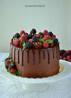 TORT DRIP CAKE - czekoladowy tort • PRZEPIS • SŁODKI POMYSŁ Drip Cakes, Fondant, Tasty, Birthday Cakes, Drink, Food, Fashion, Fashion For Boys, Girls