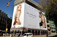 publicidad-exterior-lona-gran-formato-burberry-sundisa
