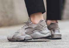 Nike Huarache Iron (Women)