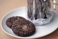 Jednoduché čokoládovo-kakaové sušenky | Veganotic Cookie Monster, Vegan Desserts, Cruelty Free, Sweet Tooth, Cupcakes, Sweets, Snacks, Cookies, Chocolate