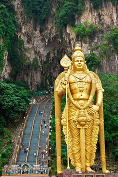 Batu Caves, Kuala Lumpur Malaysia   Entrance to the Batu Cave by Russell_Taylor, via Flickr