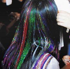 Hair Extensions - Caring For Your Hair: Strategies For Ideal Results Cabelo Inspo, Pelo Multicolor, Hair Tinsel, Eye Makeup, Hair Makeup, Fairy Hair, Unicorn Hair, Aesthetic Hair, Dream Hair