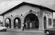 Antigua oficina de turismo.Más tarde gasolinera Av. de Baja Navarra. Pamplona, Street View, World, Old Photography, Antique Photos, Military, Cities, Fotografia, Earth