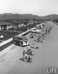"""""""Diaper service trucks and the mothers with babies they service"""" by Ralph Crane for LIFE Magazine (June 16, 1958) New Urbanism, Classic Chevy Trucks, Triumph Motorcycles, Custom Motorcycles, Vintage Images, Vintage Designs, Vintage Posters, Urban Life, Modified Cars"""