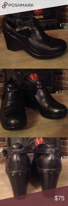 """Dansko Women's Black """"Franka"""" Wedge - size EU 39 Authentic Dansko """"Franka"""" black leather upper wedge.  Comfort footbed.  In very good condition inside and out.  One mirror boo-boo on left top - but you'd really have to look for it.  Soles in great shape.  Little to no signs of wear.  Originally $189!  These are sure to become your favorite go-to shoe. Dansko Shoes Platforms"""