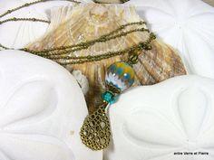 Sautoir perles en verre filé au chalumeau sur chaîne boule doublée finition bronze : Collier par fabienne-durelle