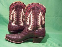 Cowboy boots vintage Best Cowboy Boots, Cowgirl Boots, Vintage Style Shoes, Vintage Boots, Shes Like Texas, Boot Scootin Boogie, Cowgirl Style, Designer Boots, Fashion Shoes