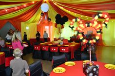 1st-birthday-party-social-event-mickey-mouse-carnival-theme-chair-covers-yikmun-photography-full-circle-eventi-design