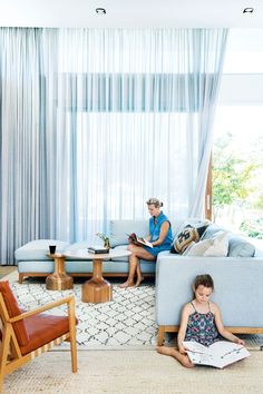 Tour this bright and airy Perth home. Photography by Jody D'Arcy. Styling by Lisa Quinn-Schofield. From the December 2017 issue of Inside Out Magazine. Available from newsagents, Zinio, https://au.zinio.com/magazine/Inside-Out-/pr-500646627/cat-cat1680012#/  and Nook.