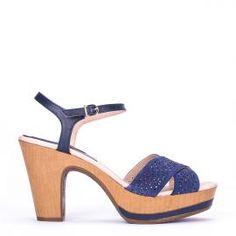 Sandalia pulsera Weekend by Pedro Miralles en piel azul marino #shoes #ss16 #inspiration  #shoeporn #sandals #zapatos #moda #calzado #jeans