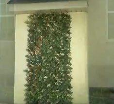 Ben jij op zoek naar meer privacy? Of wil je je tuin er leuker uit laten zien door die saaie muur eindelijk te decoreren? Lees dan verder! Interior Garden, Interior And Exterior, Cabbage Flowers, Modern Fence Design, Bohemian Patio, Garden Fencing, Garden Landscaping, Bedroom Wall Designs, Garden Deco