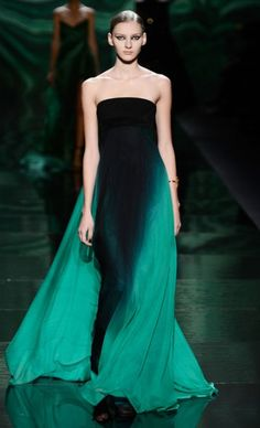 Mercedes-Benz Fashion Week : MONIQUE LHUILLIER                                                        The emerald green trend is here to stay with this amazing whimsical ombre gown
