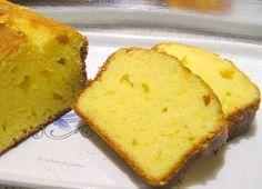cake citron mascarpone Need to translate. Homemade Cake Recipes, Pound Cake Recipes, Köstliche Desserts, Delicious Desserts, Easy Pound Cake, Fruit Cake Design, Chocolate Fruit Cake, Fresh Fruit Cake, Almond Pound Cakes