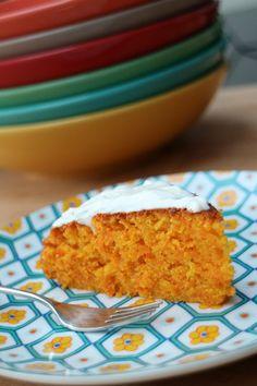 Makkelijk recept voor worteltaart met mascarpone - AllinMam.com Cakes And More, High Tea, Let Them Eat Cake, Delicious Desserts, Diet Recipes, Food To Make, Good Food, Food And Drink, Pumpkin