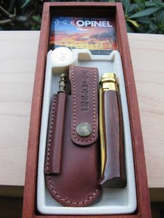 le Forum Opinel / Trouvailles en Italie Cool Knives, Knives And Tools, Knives And Swords, Tactical Swords, Edc Carry, Opinel Knife, Blacksmithing Knives, Man Shed, Best Pocket Knife