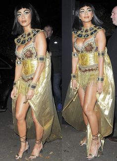 Nicole Scherzinger dressed up as Cleopatra for Halloween, attending a London holiday party in a pair of Vince Camuto sandals. Pirate Halloween Costumes, Couple Halloween Costumes For Adults, Costumes For Teens, Couple Costumes, Adult Costumes, Halloween Makeup, Trendy Halloween, Halloween 2020, Halloween Ideas