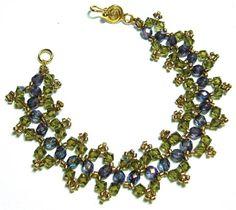 Zigzag Bracelet pattern is now free at AroundtheBeadingTable.com!