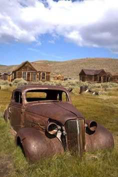 Mother Lode of Ghost Towns: Bodie California Bodie, CA ~ Abandoned CarBodie, CA ~ Abandoned Car Abandoned Cars, Abandoned Buildings, Abandoned Places, Abandoned Vehicles, Antique Trucks, Antique Cars, Rat Rods, Bodie California, Rusty Cars