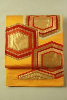 Ukon fukuro obi (rokutsu) / ウコン色地 金と朱赤の亀甲柄 六通袋帯   #Kimono #Japan http://global.rakuten.com/en/store/aiyama/