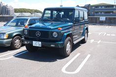 ≪No441≫  ・ニックネーム  ガーコ ・メーカー名、車種、年式  メルセデスベンツ、ゲレンデヴァーゲンG320L、1995年式     ・アピールポイント  珍しいトルマリングリーン。もう一台のW124ワゴンと合わせた色(緑)。最初のオーナーがお殿様だとか?殿が特注した色。年式もW124ワゴンと合わせてます。そのおかげで内装が同じなので乗り換えても使い勝手が同じで便利。