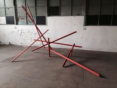 Magnus Hengge, Staben, groß eckig rot, 2014, Holz