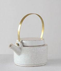 Ceramics  : Tea Pot by Eri Kawaguchi