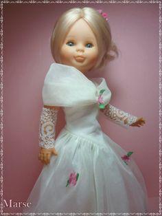 NANCY DE FAMOSA, RECUERDOS DE MI INFANCIA. Pram Toys, Nancy Doll, Spanish Girls, Child Smile, Kool Kids, Doll Accessories, Fashion Dolls, American Girl, Marie
