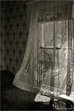 open windows, fresh air, wallpaper and lace curtains...how I wish I could sleep with open windows again, and not be terrified