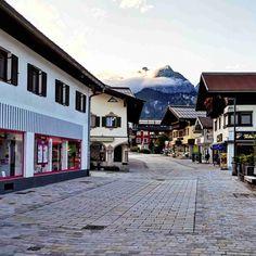 Am Abend in St. Johann in Tirol – Bild des Monats im September 2019 St Johann In Tirol, Wilder Kaiser, September, Mood, Road Trip Destinations, Pictures