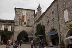 Monflanquin: Bastidedorp op de grens van de Périgord Pyrenees, Arcade, Street View, Vans, Van