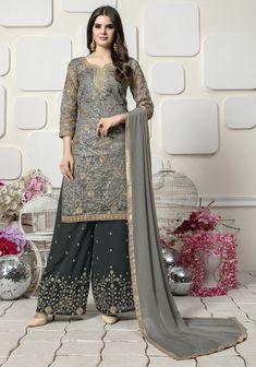 Get Stylish Green Organza Embroidered Palazzo Suit latest designer party wear salwar suits, wedding wear anarkali dress for women at VJV Fashions. Pakistani Salwar Kameez, Pakistani Dresses, Indian Dresses, Eid Dresses, Churidar Suits, Patiala, Anarkali Suits, Indian Suits, Indian Attire