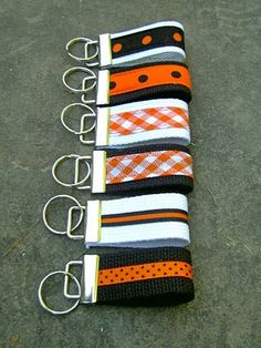 must make these!  the 2nd one from the top looks just like my GA dawg one!