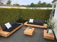 Terrace Decor, Diy Garden Furniture, Diy Outdoor Furniture, Outdoor Furniture Plans, Outdoor Sofa, Deck Seating, Wooden Sofa Designs, Outdoor Living, Outdoor Sofa Diy