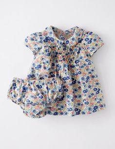 I've spotted this @BodenClothing Pretty Printed Tea Dress Washed Bluebell Poppy Field
