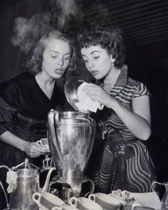 ALL GOOD THINGS: Tea Anyone: Janet Leigh ( and Elizabeth Taylor )