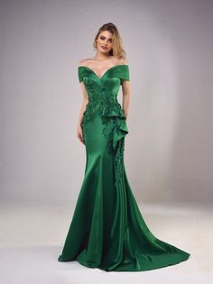 Evening dresses and gowns, cocktail dresses and formal dresses available at our showroom at Jdeideh, Beirut, Lebanon Couture Mode, Couture Fashion, Mom Dress, Dress Up, Knit Dress, Ball Dresses, Ball Gowns, Bridesmaid Dresses, Prom Dresses
