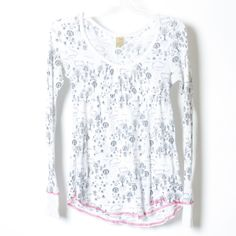 Billabong thermal empire waist shirt Used but in very good condition. Adorable shirt with a deep scoop neck and empire waist. Fits like a small. Cute pink stitching on the bottom. Only tight around arms and bust, the rest is flowy. Billabong Tops Tunics