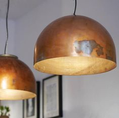 Indusigns created another fantastic upcycle design pendant lamp series called Boiler Light. The pendant is made out of discarded copper boiler vessel. Ceiling Light Design, Lamp, Copper Pendant Lamp, Candle Style Chandelier, Copper Lamps, Light, Modern Pendant Light, Pendant Lighting, Copper Lighting