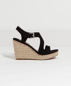 Buty na koturnie w stylu minimal - Zobacz Wszystko.