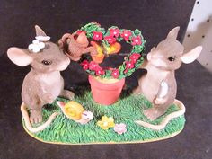 Charming Tails KEEPING OUR LOVE ALIVE 89/710 Mice Snail butterfly