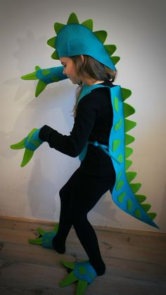 Best dinosaur costume ever!  Page is not in English but can be translated! Pan Pepe: przebieranki:)